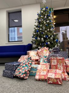 Accountants join Frank Charles at his annual Give a Gift Appeal at Whipps Cross Hospital